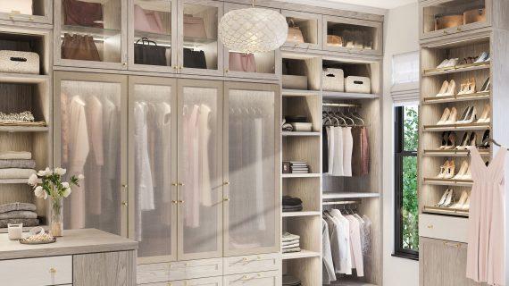 7 Manfaat Utama Memiliki Walk-In Closet di Rumah Anda