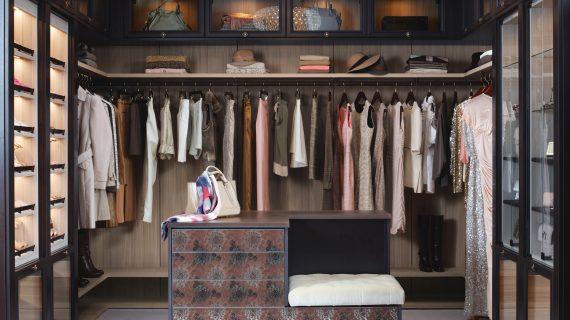 Tips Membuat Walk-In Closet yang Paling Tepat